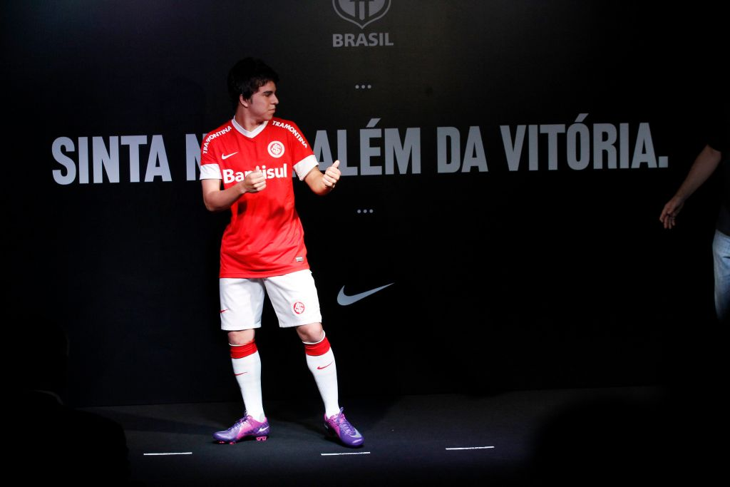 Nova camisa Nike do Inter é lançada – CAMISA VERMELHA 77f651019a9a8